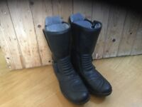 Racer motorcycle boots