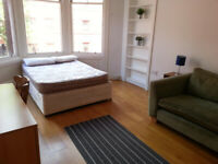 Preferred 1st floor, large, immaculate flat to rent in West End - Ideal for 2 Students