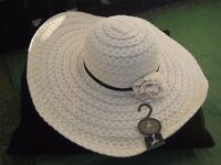 Lovely Brand New Wide Rimmed Hat by Atmosphere for £4.00