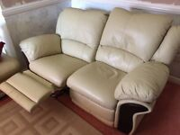 2 Seater reclining leather sofa in very good condition