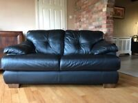 Black leather suite 3&2 in excellent condition
