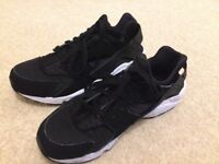 Men's huarache trainers size 10. Worn but good condition. Buyer to collect