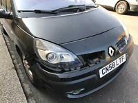 Renault Grand Scenic lorry bumped In while parked selling for salvage 7 seater