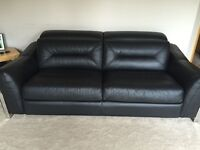 Stunning black Italian leather suite comprising of 3 seater, 2 seater electric recliner and a chair