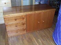 SIDEBOARD (SOLID WOOD BY ELLIS FURNITURE) TOP QUALITY EXCELLENT CONDITION FREE EDINBURGH DELIVERY