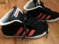 Kids unisex Adidas trainers size uk1