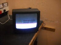 Goodmans 14inch CRT Analogue Television
