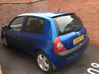 Renault Clio good condition inside and out mot in till nov