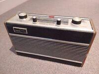 Vintage Roberts R505 radio