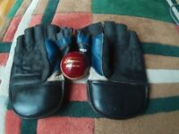 Slazenger Cricket wicket keepers gloves + Ball.