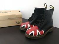 Dr Martens Size 7 Union Jack 8 Eye Boot