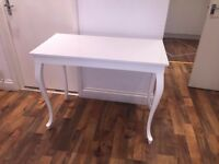 MANICURE TABLE - BEAUTY TABLE - COFFEE TABLE - USED (MINT CONDITION)
