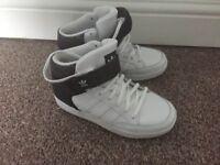 boys adidas trainers size 4.5