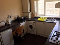 DOUBLE ROOM FOR RENT IN ACTON WEST LONDON IN TIDY CLEAN FLAT ( ALL BILLS INCLUDED )