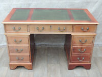 Quality pedestal desk with drawers (Delivery)