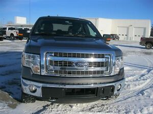 2014 Ford F-150 XLT XTR-  FACTORY WARRANTY!! LOW KILOMETERS!!