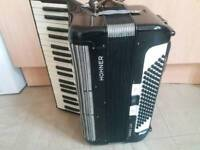 For sale accordians hohner tango 96 bass