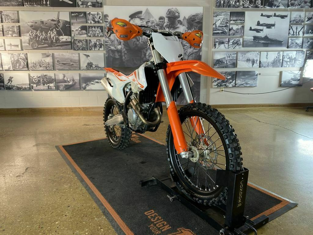 Picture of A 2017 KTM 250 F