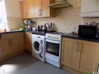 1 Bedroom Fully Furnished Flat Close to the Town Centre / Bury Park / Leagrave Area - No DSS
