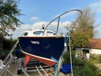 Hurley 20 (6m) twin keel yacht 'TAIKTU' with 15HP and 2HP outboard engines