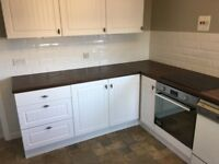 Nearly new kitchen, ready immediately, buyer to dismantle and remove.