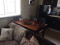 1 bedroom flat looking for 2 bedroom
