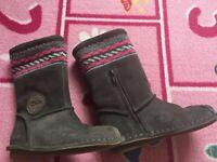 Clarks Girls boots - Size 9 G (children size) - New