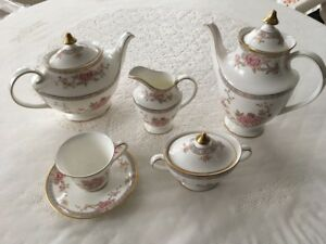 Royal Doulton 8 piece fine bone china set