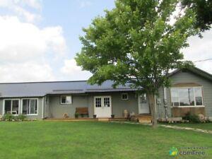 $299,900 - Duplex for sale in Sydenham