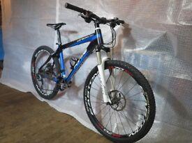 Mountain bike - Forme Winscar Carbon Ultra light superb spec.