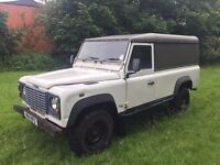 LANDROVER DEFENDER 2.5 TD5 W REG IN WHITE SERVICE HISTORY AND MOT DRIVES EXCELLENT