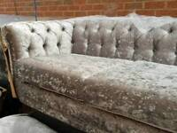 Reduced brand new 3+2 crushed velvet chesterfield suite