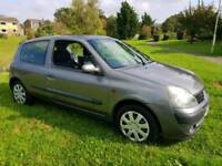 2001 RENUALT 1.2 CLIO EXPRESSION MOT & TAX 3 DOOR HATCH VERY ECONOMICAL CHEAP INSURANCE & TAX