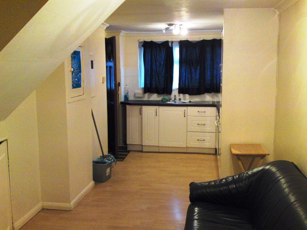 Ground floor one bedroom flat in Dollis Hill including all bills.