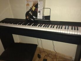 Stage piano,excellent for beginners