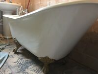 Freestanding slipper bath in vgc inc taps and waste