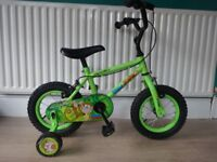 """GREAT BOYS 12"""" WHEEL BIKE COMPLETE WITH STABLISERS. APOLLO MARVIN MONKEY.GREAT CONDITION, WORKING."""
