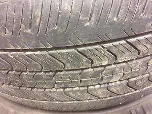 2 pneus d'été 215/55/17 Michelin Primacy 50% d'usure, 5-6/32 de mesure.