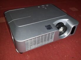 Hitachi CP-X260 XGA Projector with 3337 lamp hours