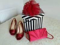 Fascinator, shoe and bag