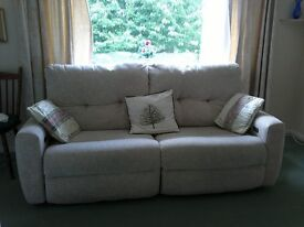 Oak Tree Mobility Cream 3 Seater Sofa (electrically operated 'recliner')