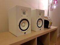 Yamaha HS7 White Monitor / Speaker pair (LIKE NEW) with boxes & cables.