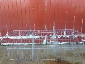 Show cage for pigeons + hens. Poultry