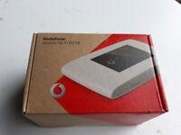 Vodafone Mobile Wi-Fi R218 ZTE LTE Mobile Hotspot Brand New in white