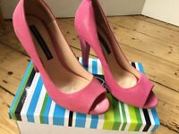 FRENCH CONNECTION PINK LEATHER HIGH HEELS SIZE 4 LIKE NEW