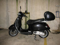 Vespa GT 125cc for sale.