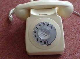 HOME TELEPHONE - MODEL 746. VINTAGE RETRO