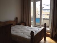 LARGE ROOM WITH BALCONY AND FREE ACCESS TO SPA! ALL BILLS INCLUDED!