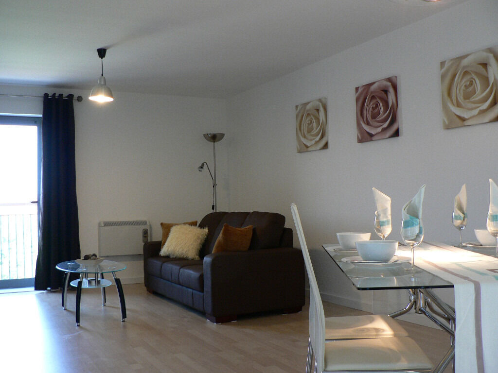 2 Bed Fully Furnished Apartment In Quay 5 Development Located Between Salford Quayanchester