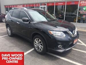 2015 Nissan Rogue SL, leather, nav, roof